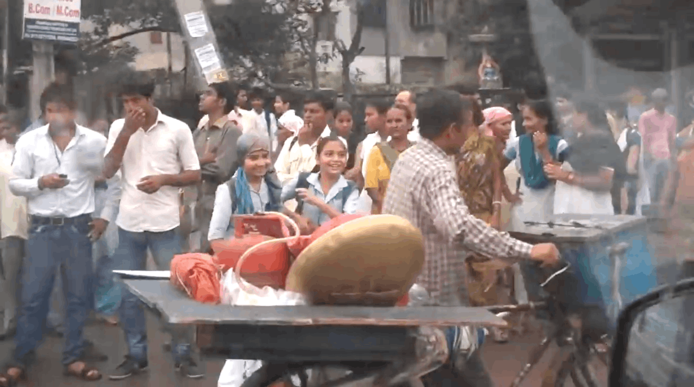 A Typical Morning Commute in New Delhi, India